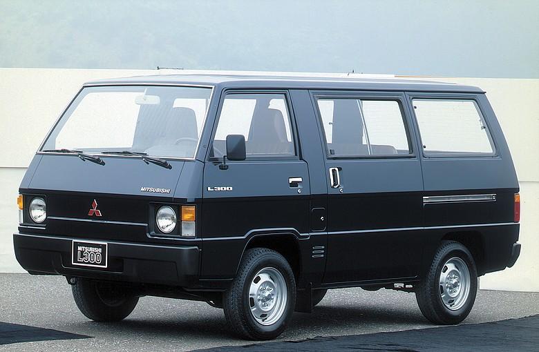 L 300 Bus (LO3_P/G, L0_2P)